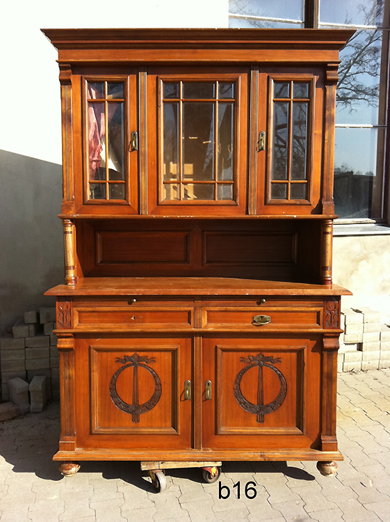 antikcenter k nigs wusterhausen antike m bel in brandenburg unrestaurierte m bel buffets. Black Bedroom Furniture Sets. Home Design Ideas